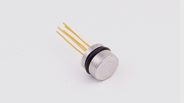 The core component of the sensor diffused silicon pressure core